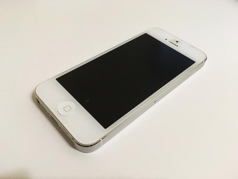壊れたiPhone5